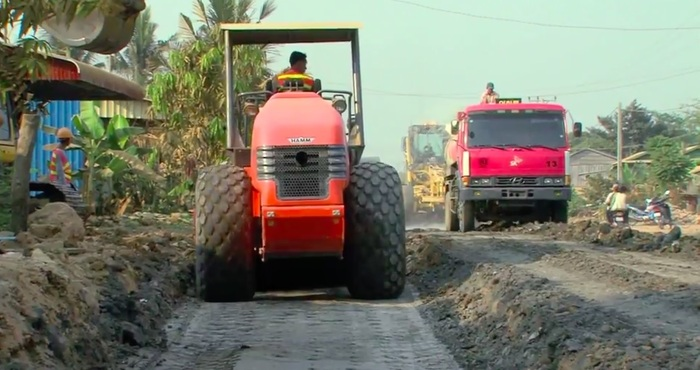 Video screenshot. http://www.adb.org/results/better-roads-give-new-life-southern-cambodia