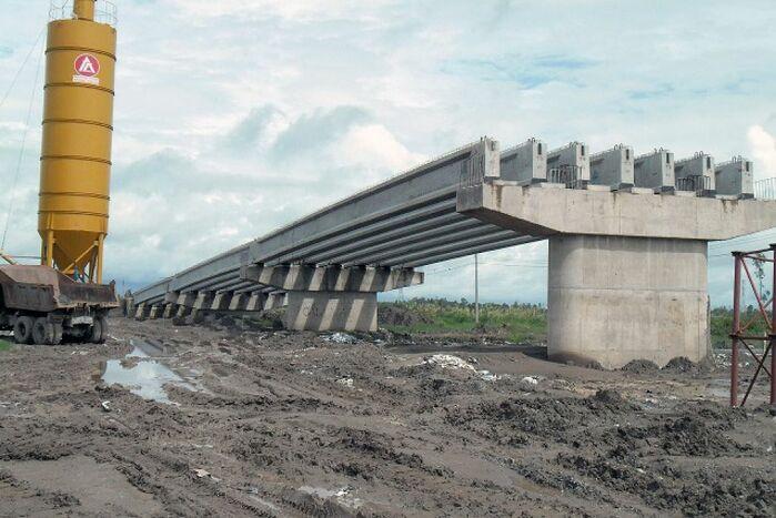 http://www.adb.org/news/adb-australia-provide-37-million-keep-viet-nam-road-upgrades-track