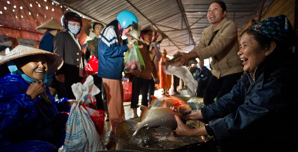 An expected recovery in global food and fuel prices will help boost commodity production in Southeast Asia. Photo: ADB.